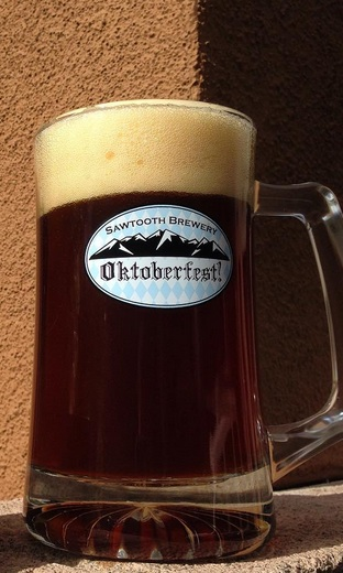 25-oz-oktoberfest-glass-mug-1443151876